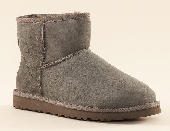 131642-091-ugg-boots-001