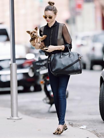 Miranda-Kerr-Givenchy-Antigona-6